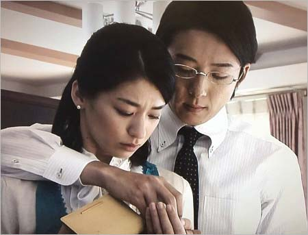 共演者キラー尾野真千子!高橋一生に復縁を迫っていた!? - Hachibachi
