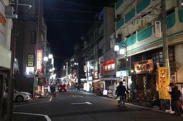横浜色街物語】横浜関内の歓楽街で働く、シングルマザーの中国人 ...