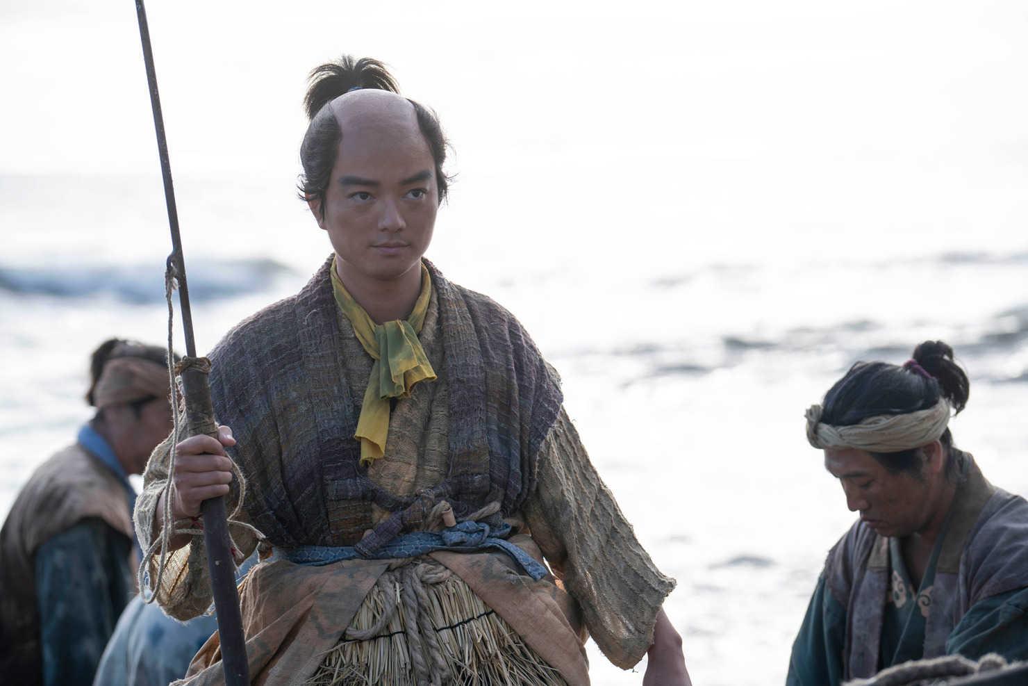 """麒麟がくる:染谷将太""""織田信長""""にSNS沸く 海から登場、せりふなしも ..."""