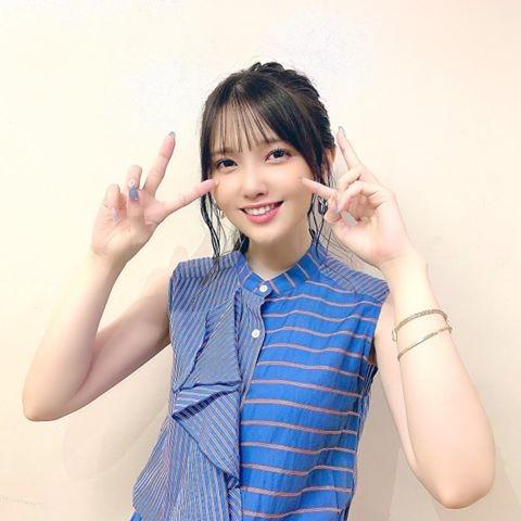 鬼頭明里、3rdシングル「キミのとなりで」MV衣装姿に「キラキラして ...