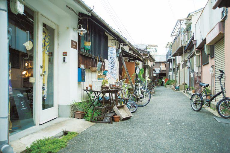 大阪の魅力が町屋の路地に溢れる街【大阪・中崎街】。ここに注目店が ...