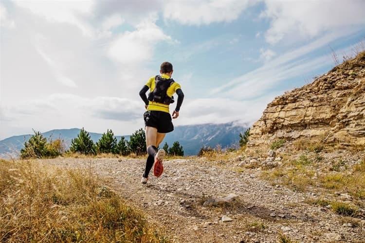 トレイルランニングはどんなスポーツ? その魅力や必需品、注意点とは ...