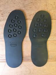 ダイナイトソールとビブラム#2055の厚みの違いを比較 – 靴職人の靴修理 ...
