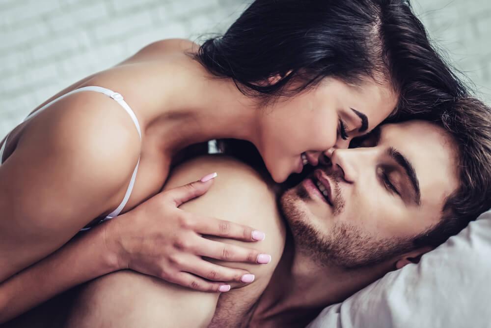 こんな唇だったらキスしたくなる♡女性がキスしたくなる男性の唇の特徴