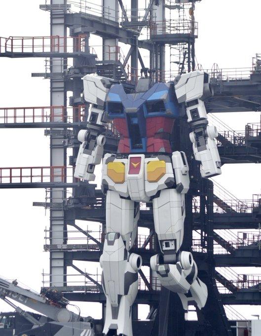動く実物大ガンダムプロジェクト、装甲が取り付けられ完成にまた一歩 ...