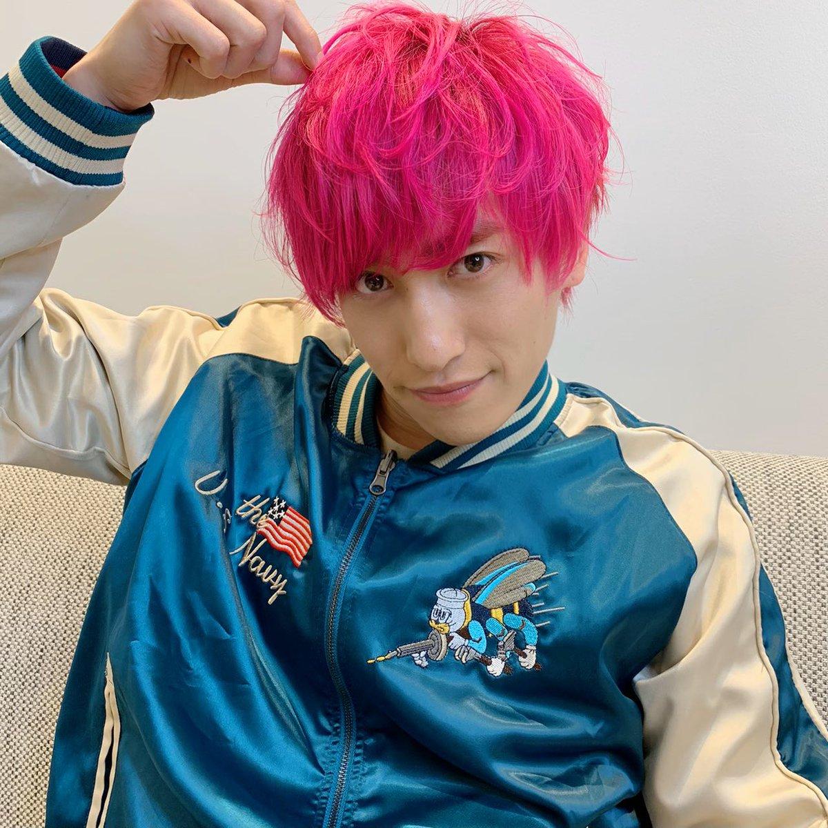 """EXIT 兼近 on Twitter: """"兼近「ひぇひぇひぇ!俺に憧れて髪ピンクに ..."""