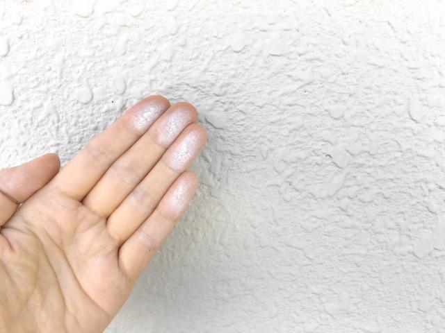 外壁塗装の目安となるチョーキング現象?その対処方法をとは ...