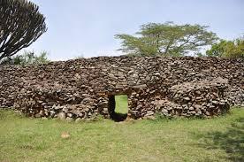 ティムリカ・オヒンガの考古遺跡 / ケニア 【旅行提案サービスTAVITT ...