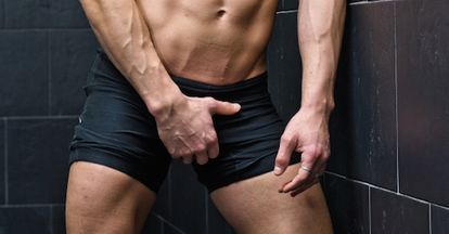 96%の男がプールで勃起した経験あり!内緒でヌイた人