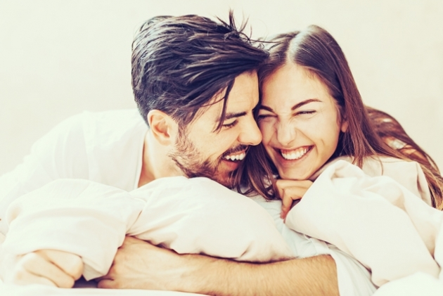 憧れる! お互いに「深く愛し合っている」幸せカップルの特徴5選 ...