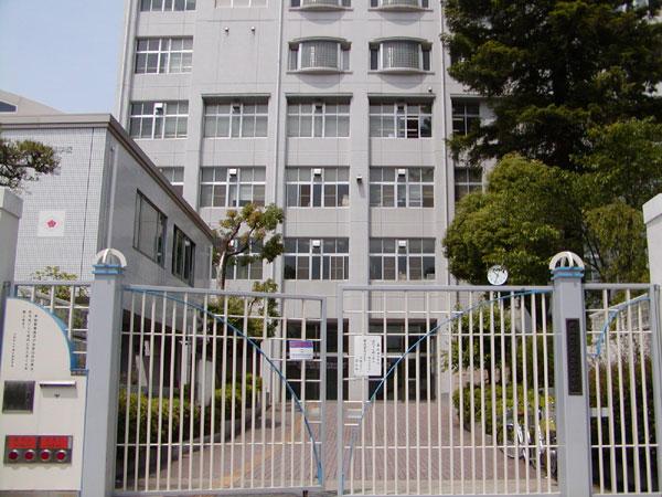 大阪府立夕陽丘高等学校 - Wikipedia