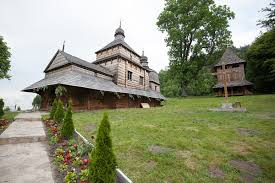 ポーランドとウクライナのカルパティア地方の木造教会群 - Wikipedia