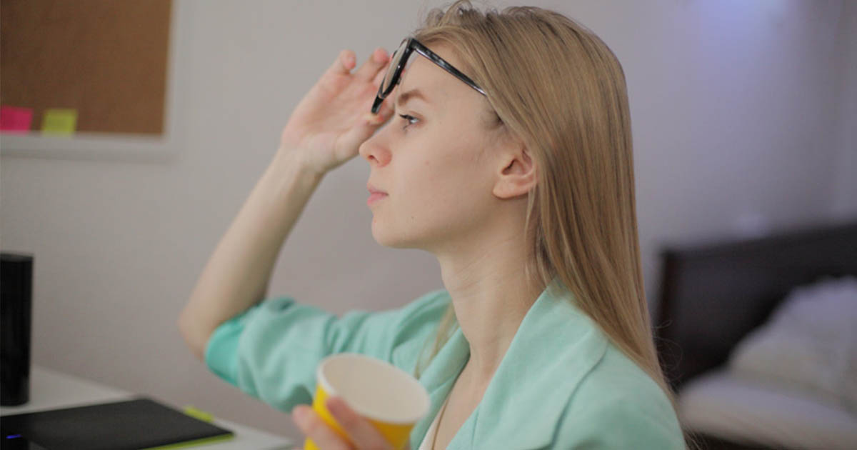 視力低下が気になる人は必見! 今すぐできる目の疲れ回復&視力低下を ...