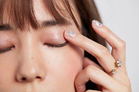 目元のくすみをカバーしてくれるアイシャドウテク | 美容の情報 ...