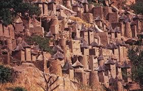 バンディアガラの断崖(ドゴン人の地)|マリ|世界遺産オンラインガイド