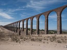 パドレ・テンブレケ水道橋の水利システム|メキシコ|世界遺産 ...