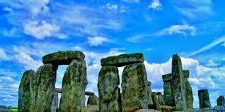 ストーンヘンジ、エーヴベリーと関連する遺跡群|イギリス|世界遺産 ...