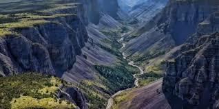ナハニ国立公園 カナダ 世界遺産オンラインガイド