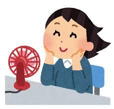 卓上扇風機で涼む女性のイラスト | かわいいフリー素材集 いらすとや