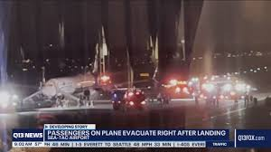 Galaxy A21が着陸直後の航空機内で発火〜乗客が避難するも2名が病院で ...