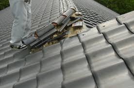 雪害による屋根破損の修理事例 岐阜県で瓦屋根工事なら丸新美濃瓦にお ...