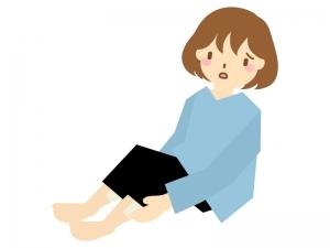 足のむくみを気にする女性のイラスト | イラスト無料・かわいい ...