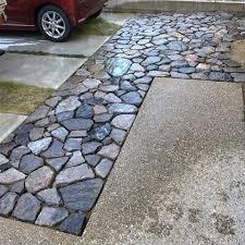 庭造りを検討している方に向けて!石畳を取り入れるメリットをご紹介します!