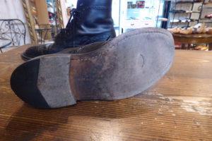 Tricker,s(トリッカーズ)カントリーブーツの穴が開いた靴底をレザー ...