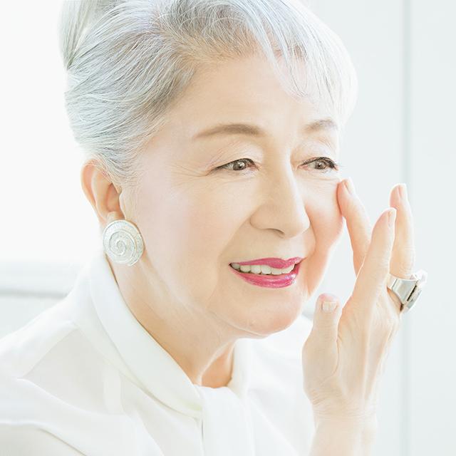 """草笛光子さんの""""美を積み重ねる""""秘訣】86歳の奇跡の美肌。その審美眼が ..."""