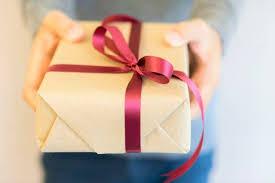 男友達からプレゼント! 彼氏未満の相手がプレゼントをくれる理由とは ...