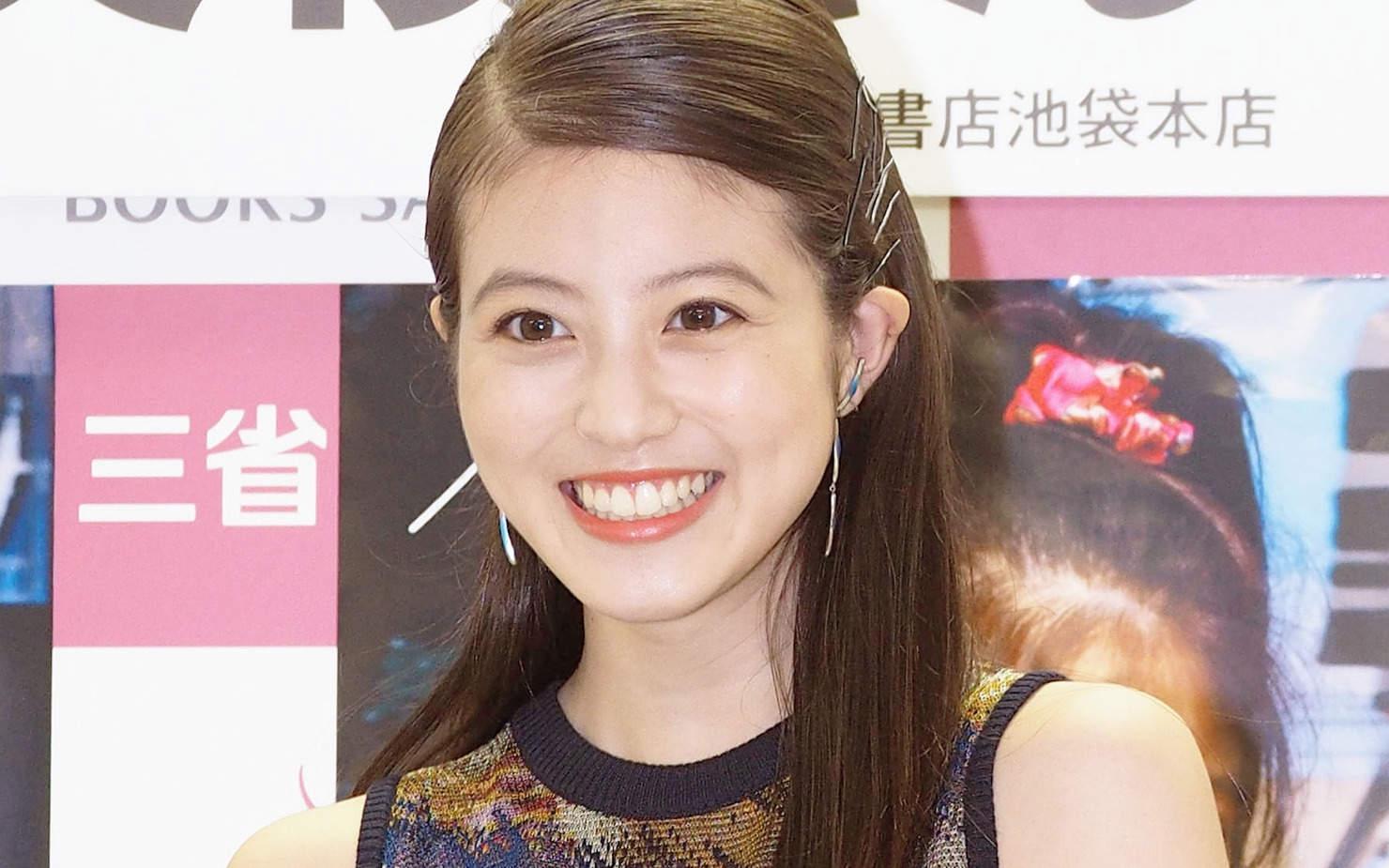 今田美桜:美スタイル際立つ脚長コーデ ピンアレンジが可愛いヘア ...