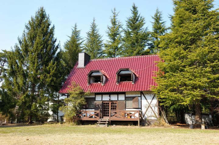 森の中にたたずむアートカフェ「そあとの庭」でゆったり流れる安らぎの ...