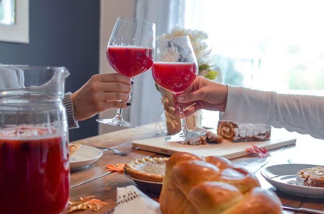 カップルでご飯を一緒に食べると仲良くなれる7つの理由とは? | 恋の ...