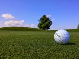 フリー写真] ゴルフボールのあるゴルフ場の風景でアハ体験 - GAHAG ...