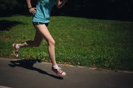 フリー写真] ジョギングしている女性でアハ体験 - GAHAG | 著作権 ...