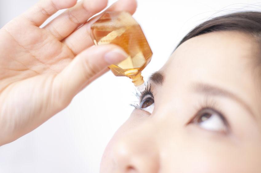 目薬の正しいさし方|健康コラム