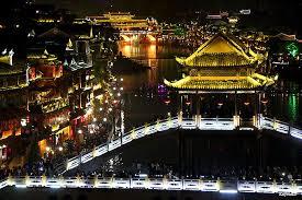 中国一美しい街!少数民族が暮らす「鳳凰古城」のノスタルジックな ...