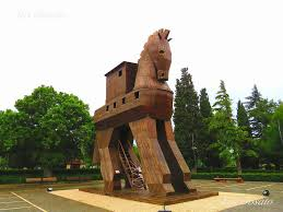 シュリーマン発掘のトロイの考古遺跡!木馬はギリシャ神話が舞台 ...