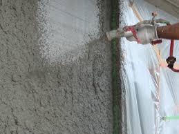 外壁塗装の吹き付け工法とは