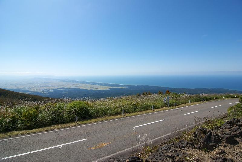 鳥海ブルーライン 絶景を走る 日本百名道