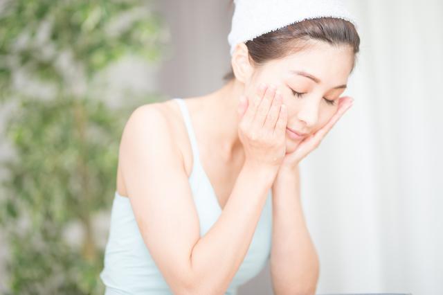 毛穴レスの陶器肌へ!毛穴の汚れを落とす正しい洗顔方法 ...