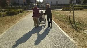 小春日和にお散歩♪ | 松縄サロン デイサービスセンター | 白栄会グループ