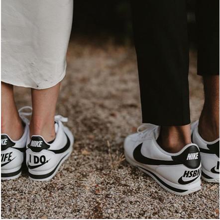 スニーカー×ウェディングドレス=笑顔が溢れる花嫁」の法則   結婚式場 ...